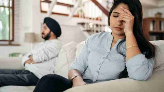 unhappy marriage signs